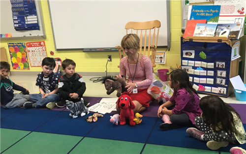French Teacher with Kindergarten students