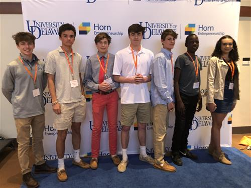 Six Honors Entrepreneurship students pose at the U of Del. Diamond Challenge International Pitch Competition